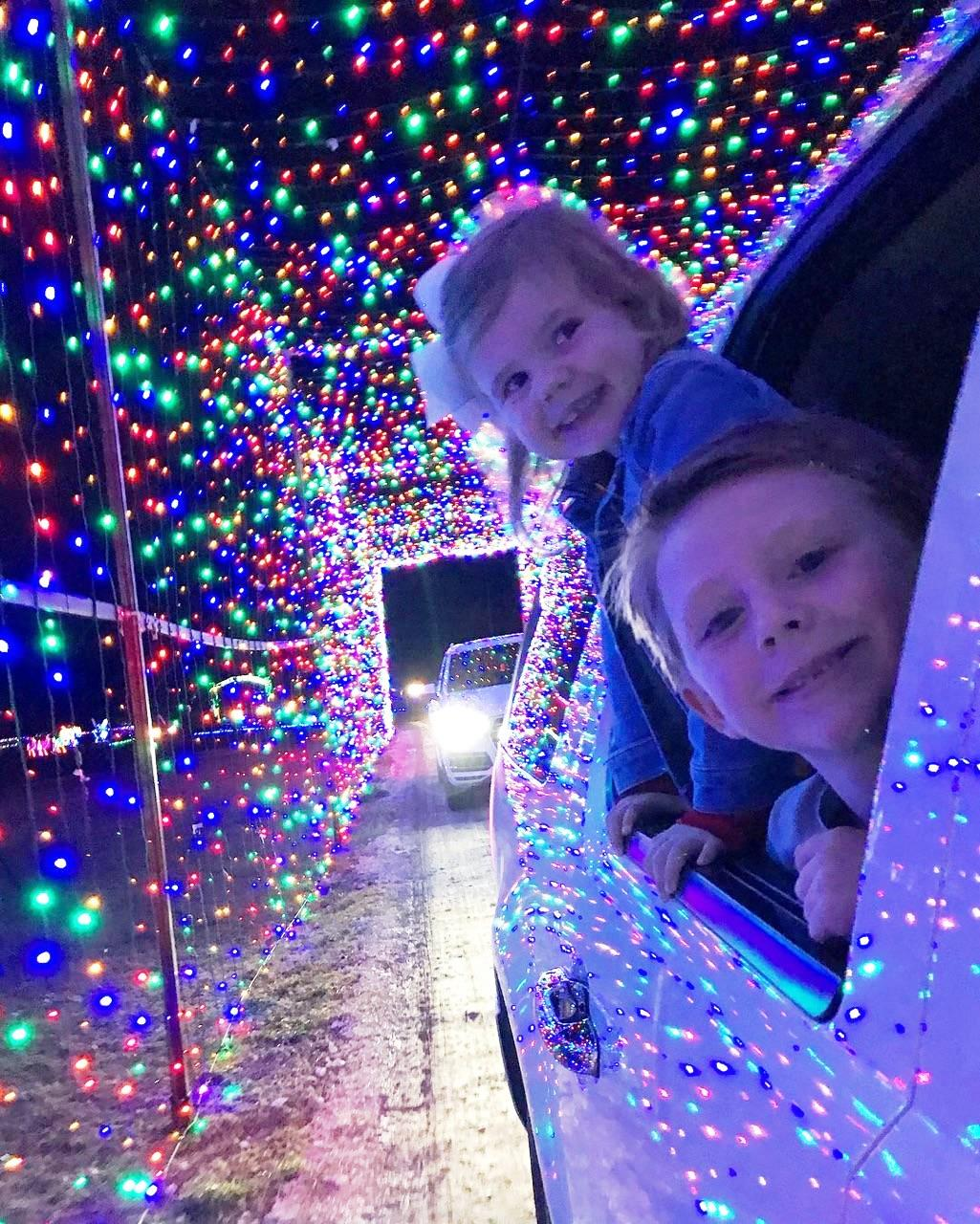 2018%20Children%20in%20Lights%20at%20Christmas%20Light%20Fest